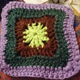 Closed granny square
