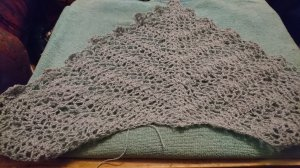Shell and Lace shawl in gray-green, work in progress