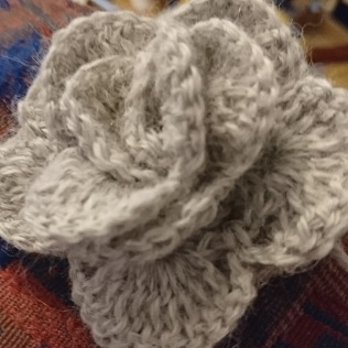 Rose in beige alpaca